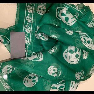 NWT Alexander McQueen silk skull scarf